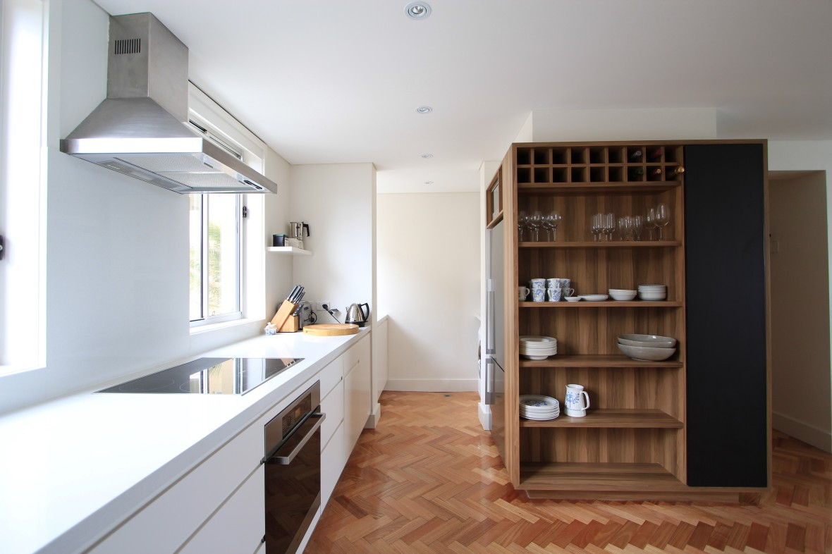 white and wood kitchen _feature